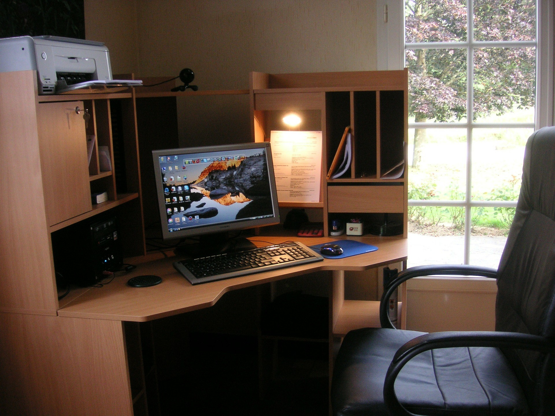 An image of a desktop computer
